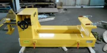 Conception et fabrication d'un support de chargement meule pour une rectifieuse cylindrique adapté à l'élévateur du client, pour un fabricant de pièces automobiles.